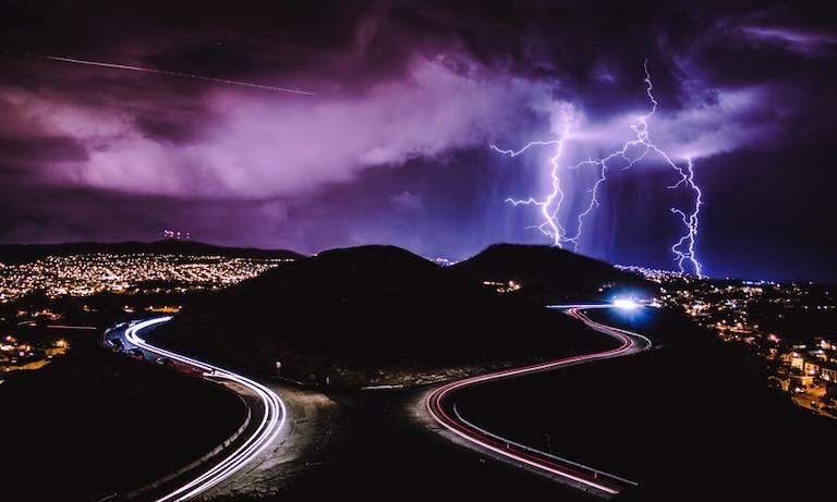 lightning-strikes-san-francisco-california_800